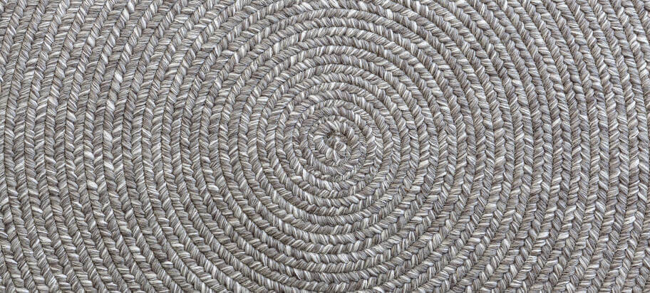 How to keep a jute rug clean
