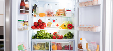 How to Clean a Fridge Thoroughly Inside and Out - Featured Image